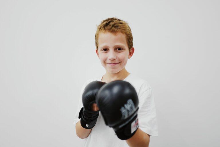 fengbao-kung-fu-schule-wien-kids-kinder-schueler-training-kinder-kung-fu-familien-boxen-boxing-gloves-boxhandschuhe-kampfsportzubehör